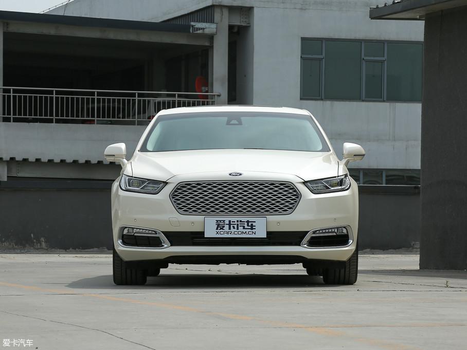 福特金牛座于10月份正式上市,新车增加了ecoboost 325 v6 ltd限量版