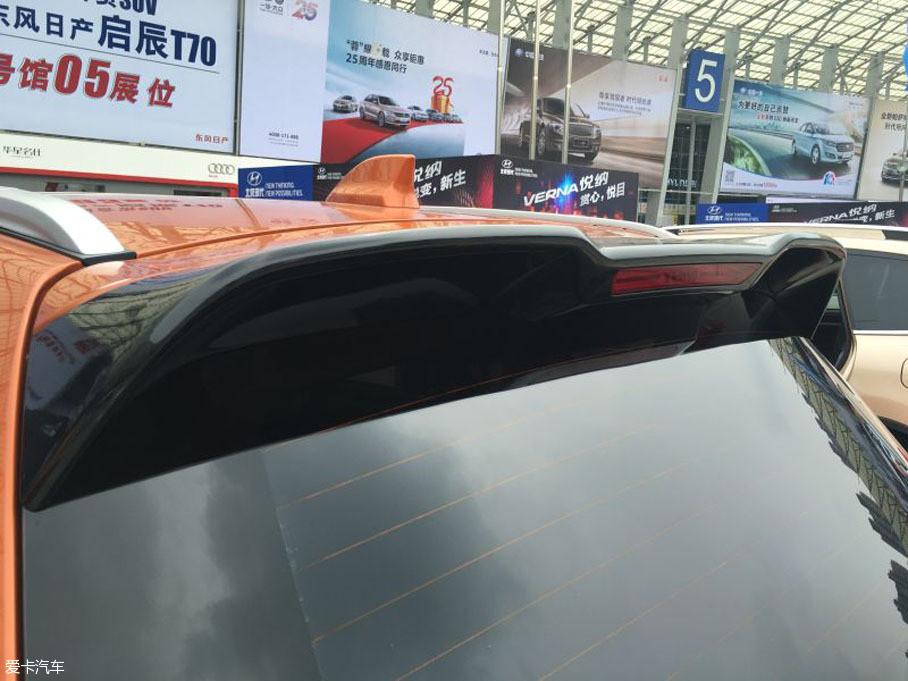 这不,就连野马汽车的新车T80也被我们抓拍到了。T80是野马品牌的旗舰城市SUV,该车搭载2.0T发动机,将有望于年底正式上市销售。